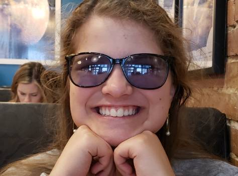 efficient brain girl with irlen glasses (1)